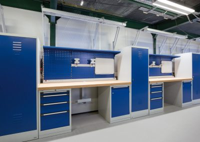 Industrial_workbench_layout